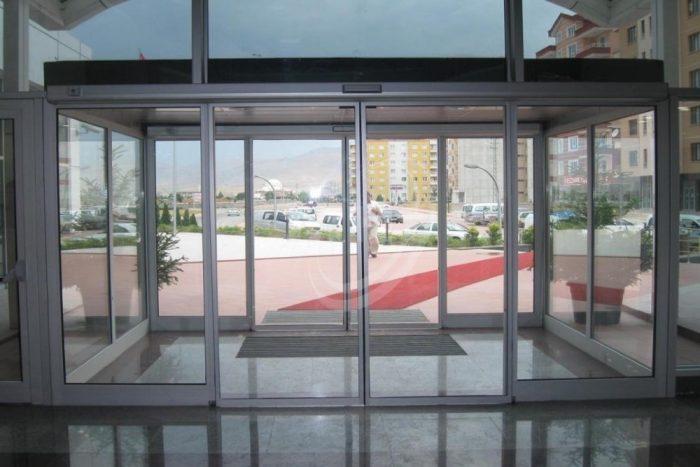 Porta Automática de Vidro
