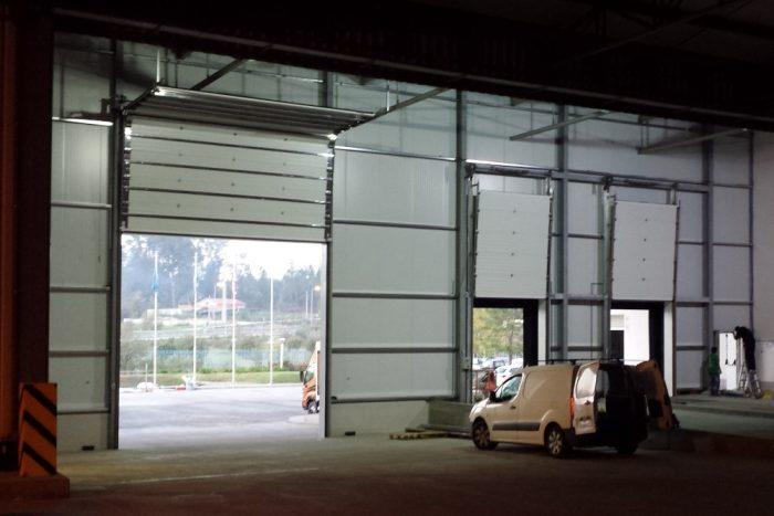 Ferragem Inox Para Portas de Garagem